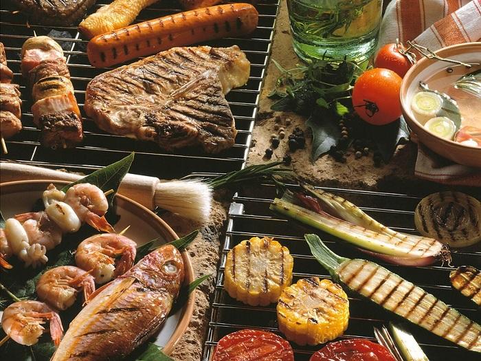 Parti Barbeku Di Rumah Dengan Smokeless Grill
